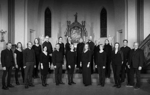 SYNGER: HÄNDEL: Musikk av Hädel blir å høre i domkirken søndag når Tønsberg Domkor (bildet) får blant andre Marinemusikken på besøk.