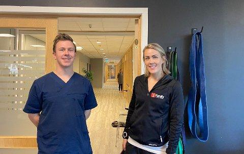 SAMARBEID: Tobias Larsen er naprapat på helsehuset som samarbeider med treningssenteret ledet av Hanne Gogstad.