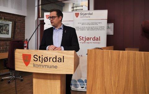 SKJERPER INN: Ordfører Ivar Vigdenes i Stjørdal kommune skjerper tiltakene i kampen mot koronaen ytterligere.