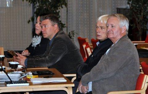 MELDTE OVERGANG: Karl Arne Hope (til høgre) satt i kommunestyret i åtte år for FrP i Nord-Aurdal. Nå har han meldt overgang til Sør-Aurdal FrP.