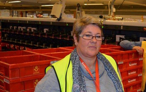 TUNGT: Marianne Nilsen, tillitsvalgt for Norsk Post- og Kommunikasjonsforbund (Postkom) forteller at de ansatte har vært forberedt på å få denne beskjeden, men at det er tungt å få den endelig datoen.