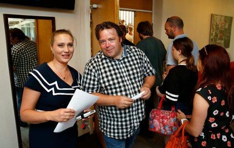 KLARE: Rektor Elin Evenrud og linjelærer Ronnie Larsen gleder seg til det første året med cospaly som egen linje på Holtekilen folkehøgskole