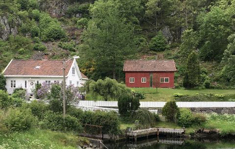 NYTT BYGG: Arild Stavnem søker om å få bygge et nytt bygg på om lag 84 kvadratmeter (rødt bygg på fotomontasjoen)