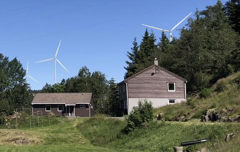 STORE TURBINER: Illustrasjon laget av Meventus AS for hvordan de nærmeste turbinene vil se ut fra Fjelltun.