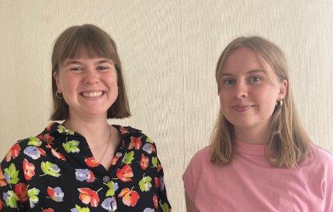 TIL KAMP MOT APATI: Sunniva Roligheten (21) og Maja Holmen (21)  vil stille selskaper og personer som skaper apati til ansvar, og deler ut Apatiprisen 2021.