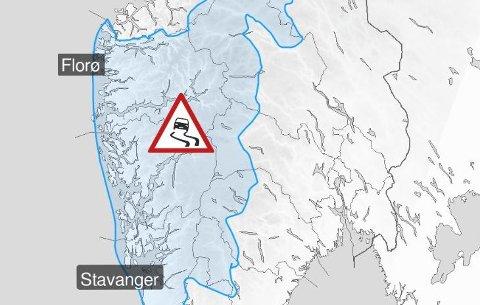 Frå onsdag ettermiddag til torsdag ettermiddag er det venta sør og søraust liten til full storm 25 m/s på kysten og i fjellet.