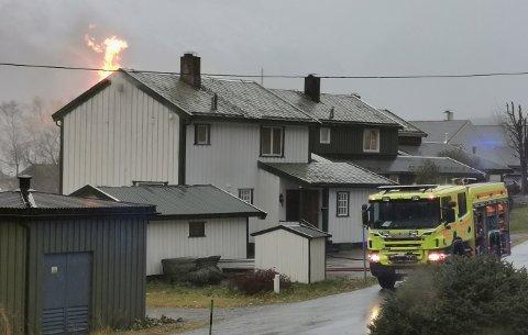 Det brant i andre etasje på en bolig i Glomfjord tirsdag ettermiddag.