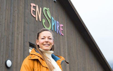 Jeanette Skjelstad Heldal (31) flyttet i sommer fra Sarpsborg til Meløy for å jobbe på Neverdal Enspire skole.