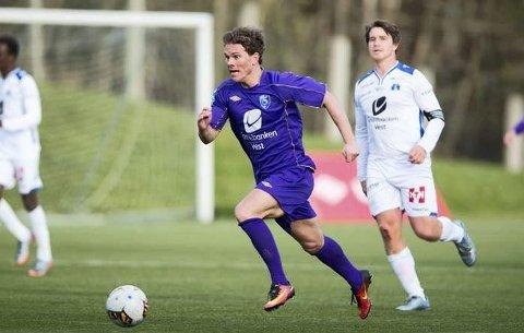 Kjetil Kalve var meget god for Fyllingsdalen i cupmøtet med Sotra. Den tidligere Brann-spilleren scoret to mål, men burde kanskje hatt flere. Det mente i alle fall han selv. – Det ble unødvendig spennende. Jeg hadde en gigasjanse til å sette 3-0 like før de reduserte, sier Kalve.