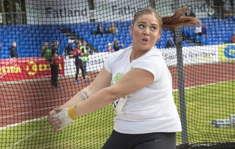 Beatrice Llano er midt mellom to teknikker og kaster derfor ikke opp mot sitt aller beste denne sesongen. Denne helgen håper hun likevel å vinne sitt fjerde NM-gull i sleggekast. Bildet er fra NM i fjor. Arkivfoto: Vidar Ruud