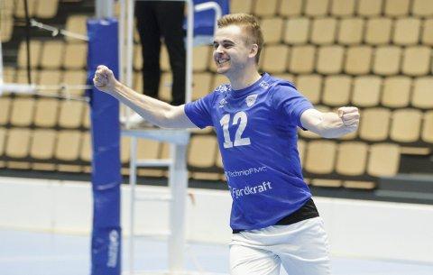Jonas Langlo (24) jubler ekstra etter seieren mot Koll. Nå skal han og resten av laget møte erkerival Førde i cupfinalen i midten av februar.