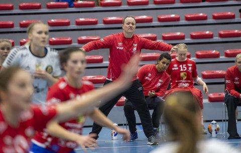 Erlend Lyssand har trent Fana fra midten av 1. divisjon til midten av eliteserien. Nå har han tro på videre fremgang de kommende årene.