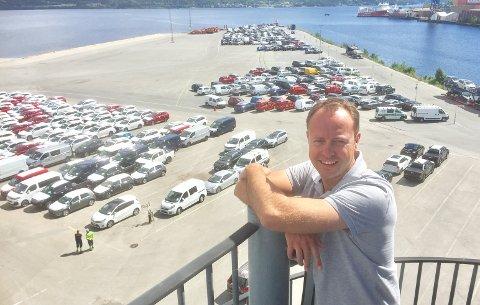 FULLT: Nå er det plassmangel på Holmen, derfor satser Axess Logistics på bilimport til Stavanger forteller markedssjef Andre Joteig. Her fra sommeren 2017.