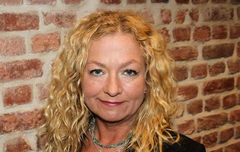 Torill Frydenlund sier hun ikke har behov for verken ekte eller kunstig juletre. – Forbrukshysteriet rundt julefeiringen ønsker jeg heller ikke å ta del i.
