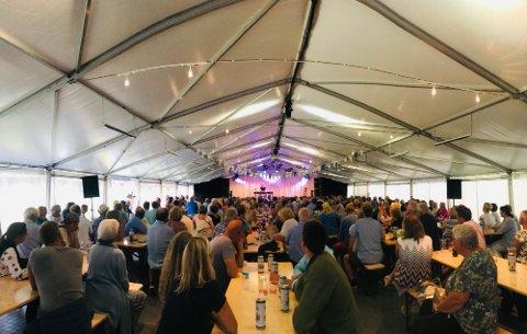 I sommer skal teltet på Hvaler fylles med mennesker og kjente norske artister og band.