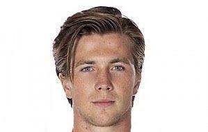 KLAR: Nils Carnbäck, med erfaring fra toppnivå, er siste internasjonale tilvekst til Narvik hockey.
