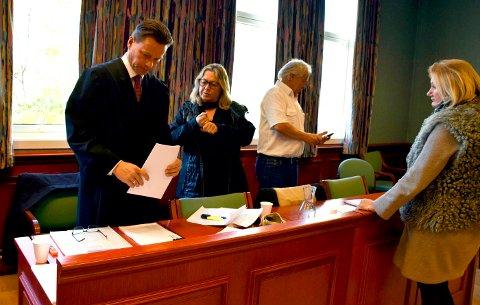 I LAGMANNSRETTEN: Advokat Steinar Jacob Thomassen representerer flertallet i sameiet, her ved Sonja Wille, Hans Olav Tangen og Eva Sommerseth.