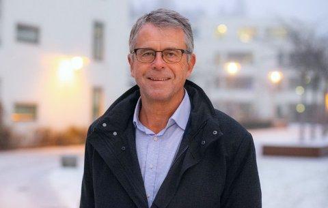 FRUSTRERT: Petter Eiken, styreleder i Oslofjord Logistikk AS, sier at sportilgang er en helt avgjørende for at godsterminalprosjektet lar seg gjennomføre. – Det er ganske absurd hvordan Jernbanedirektoratet, med åpne øyne, er villig til å kaste bort offentlige midler på et spor som ikke kommer samfunnet til gode.