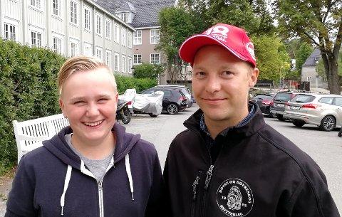 Erlend og  Amund Haugstulen slo begge til med 349 poeng og var selvfølgelig fornøyd med egen innsats.