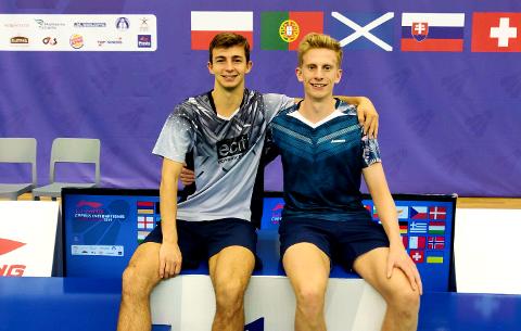 BADMINTONSPILLERE: Det 23 år gamle makkerparet Vegard Rikheim og Torjus Flåtten (t.h) deltar neste uke i Denmark Open.