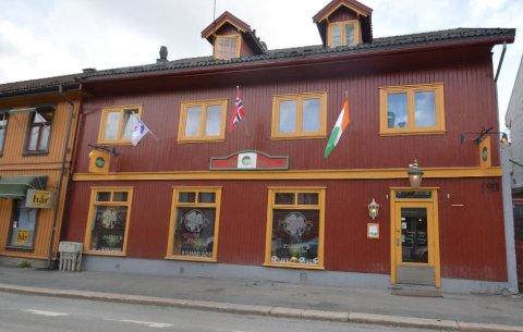 KRAV: Lillehammer kommune krever at selskapet Storgata Eiendom Lillehammer AS betaler tvangsmulkt for Storgata 93.