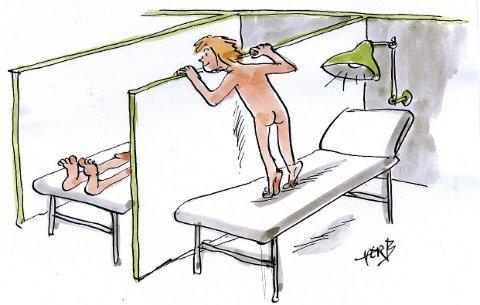 En operasjon og en nakjinn gutt.