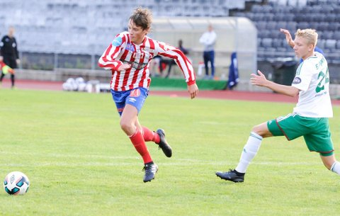 SCORET TO: Peder Nomell scoret to mål da Kvik Halden 2 slo Borgar 5-1 mandag.