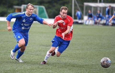 BANENS BESTE: Eirik Horvath (th) var banens bestemann da hans Berg vant 3-1 over Birger Sætre og Idd SK - i en svært etterlengtet treningskamp.