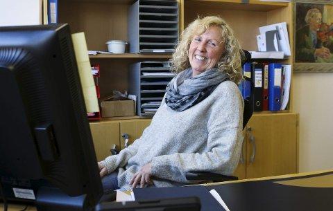 NY SJEF: Astrid Hisdal har inntatt lederstolen hos Nav Odda. – Min visjon for Nav Odda er at alle brukere skal oppleve god service. Dette betyr at folk får et personlig møte med veileder og får hjelp til selvhjelp. Vi har mange dyktige medarbeidere, sier hun.