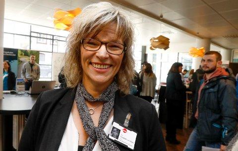 FORNØYD: Leder for NAV Marked Nord-Rogaland, Elisabeth Lie Nilsen, har grunn til å smile over at ledighetstallene går ned. Arkivfoto: Alfred Aase