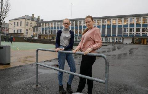 Solveig Vik er leder i Ungdomsrådet i Haugesund og Sofie Meland er elevrådsleder på Hauge skole. De ønsker at ungdomstrinnet på skolen skal bestå.