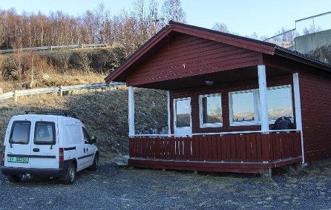 KORT opphold: Mye tyder at Emil Remnes får et kort opphold i Hytte nr. 1 på Kvitneset Camping. Foto: Rune Pedersen