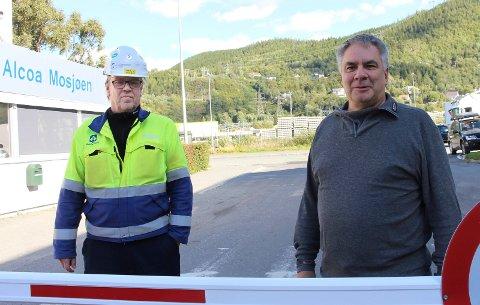 I MÅL. Delwyn Forrest (t.h ) og Tore Almås har funnet den de mener er best egnet til å skjøtte vedlikeholdet ved Alcoa Mosjøen de neste tre årene.