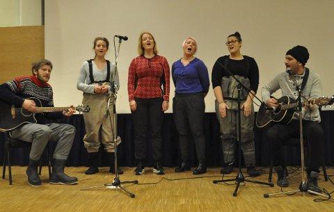 SMAKEBIT: De som deltok på Elvetinget 2017 i Alta fkk med seg en del av musikalen «Døgn i Elva» som settes opp 4. mars. Foto: Oddgeir Isaksen