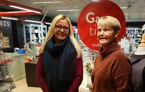 VIDERE DRIFT UTEN TILBORDS: Hanne Dahl tar over Tilbords i Vadsø etter Torill Esbensen første mars 2018. De er ikke bekymret etter at konkurs-beskjeden kom mandag i og med at butikken i Vadsø er selvstendig.