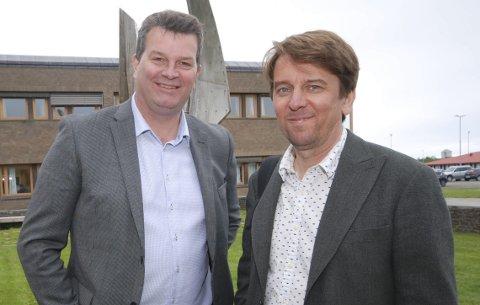 PÅ BESØK I FINNMARK: LO-leder Hans-Christian Gabrielsen sammen med kommunikasjonsrådgiver Bjørn Erik Dahl, her ved Fylkeshuset i Vadsø i 2018. – Han var respektert av absolutt alle, sier Dahl. Hans nærmeste tanker går nå til familien.
