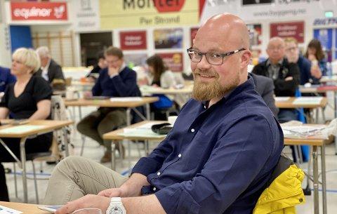 Fremskrittspartiets gruppeleder Eivind Stene tror prosjektet som skal lyssette Harstad er godt, men sier at man nok bør bruke pengene på andre området.