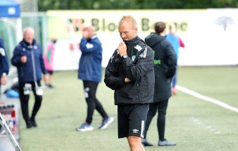 STARTET MED TAP: Owe Salvesen hadde håpet på en bedre debut dom Klepp-trener.
