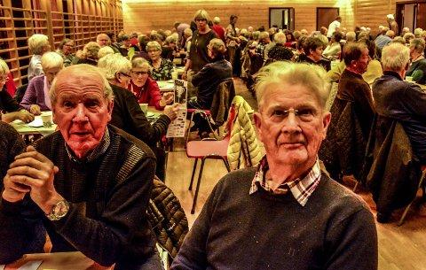 Debutanten: Asbjørn Thorsen til høyre er født og oppvokst i Vadfoss. Han var på høstmøtet for aller første gang.