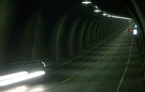 Det kan bli dyrare å køyra gjennom Halsnøytunnelen. (Arkivfoto)