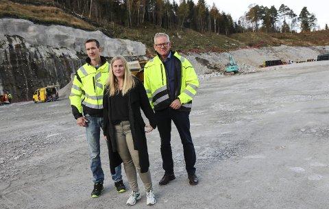 Leiargruppe: Teknisk sjef Knut Enæs, biologisk ansvarleg Monica Lunestad og administrerande direktør Jan Gunnar Strand har dei tre stillingane som til no er tilsett. Fleire vil bli lyst ut fortløpande.