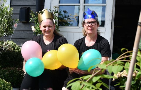JUBILEUM: (F.v.) Innehavar Anne Marie Monssen og tilsett Tine Huse gler seg til show og feiring i oktober.