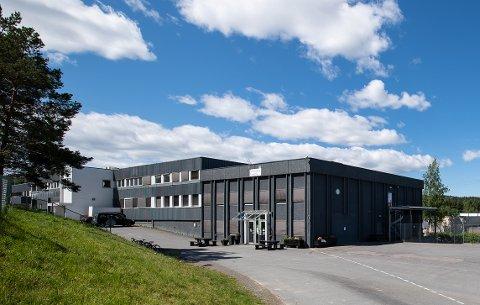 FÅR IKKE FORLENGET DISPENSASJON: Lørenskog  friskole og Regnbuen barnehage må ut av lokalene i Industriveien på Visperud.