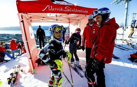 Største tilreisende klubb: Svolvær alpinklubb var største tilreisende klubb på Barnas World Cup i Narvik denne helga. Klubben stilte med 37 løpere og totalt 70 personer fra klubben i reisefølget.Foto: Espen Mortensen