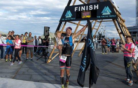 Tilbake: Allan Hovda gleder seg til å forsvare tittelen under årets utgave av Lofoten Triathlon.Foto: Kai-otto Melau