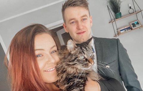 Christine Elisabeth Larsen, samboer Tor-Øyvind og katten Gustav.