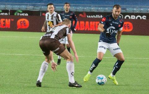 ÅRETS ANGRIPER: Zlatko Tripic hadde det nest beste snittet på VG sin spillerbørs denne sesongen. Her fra en seriekamp med Viking mot Mjøndalen tidligere i høst.