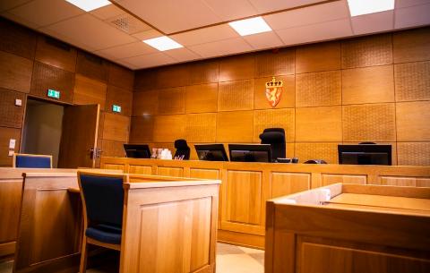 DØMT FOR KNIVSTIKKING: Stavangerntingrett ha også dømt listermannen for knivbruk. Alle dommene skriver seg fra forhold fra før dømte fylte 18 år.