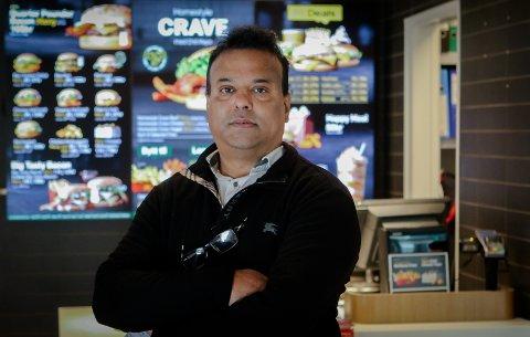 STOR PÅGANG: Restauranteier Siva Arumugathas har fått inn ekstra mange søknader til 20 sommerjobbstillinger på McDonalds-restaurantene i Moss og Råde.