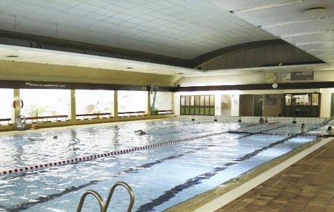HOLMLIA BAD: Det settes av penger til neste år med tanke på rehabilitering av Holmlia bad. Arkivfoto